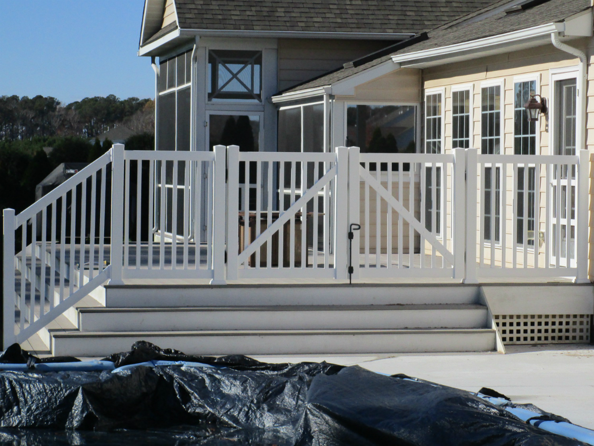 216_deck-railing-white-vinyl Railings - Forrest Fencing