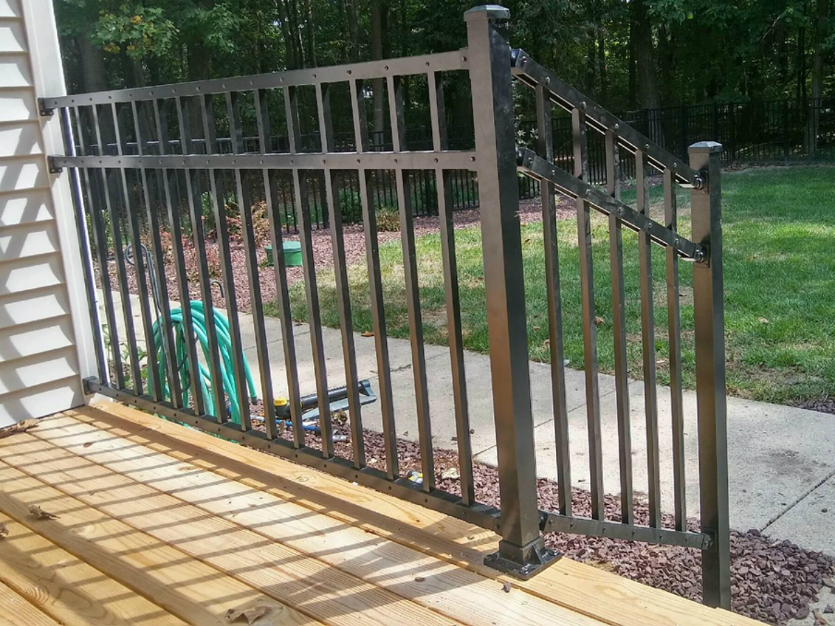 218_straight-step-railing-black-aluminum-bonilla-flush Railings - Forrest Fencing
