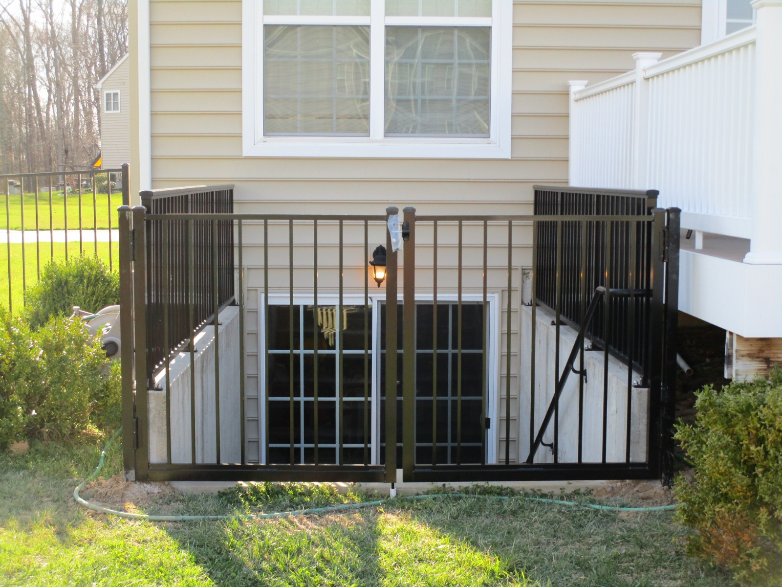52_basement-railing-with-gate-black-aluminum Railings - Forrest Fencing
