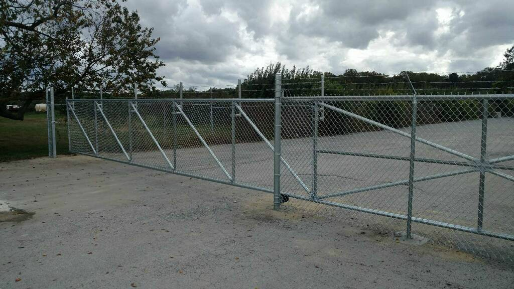 270_30ft-cantaliever-gate2 Chainlink - Forrest Fencing