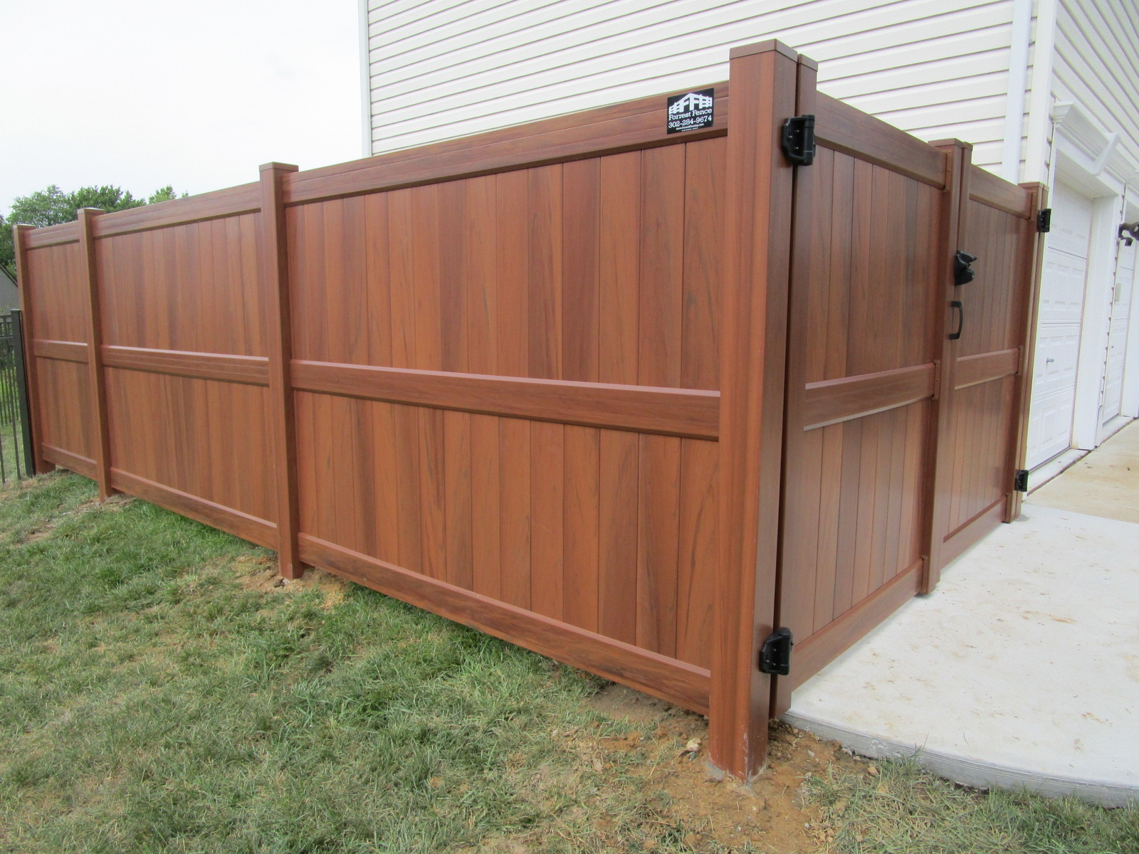 Vinyl Forrest Fencing Fence Gate For Transitional Putting Up Electric 104 Privacy Mocha Walnut Penndel With Optional Mid Rail