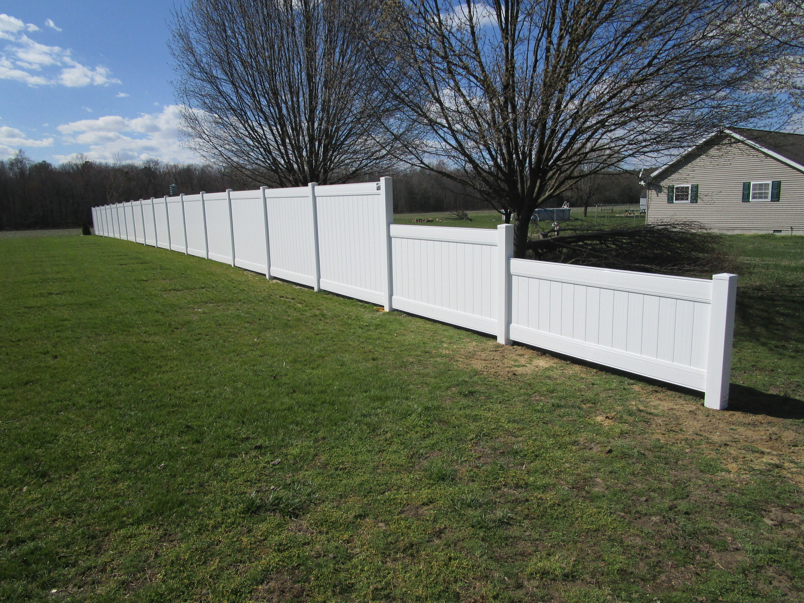 Vinyl forrest fencing 112stepped 3ft to 6ft transition privacy fencejpg vinyl forrest baanklon Gallery